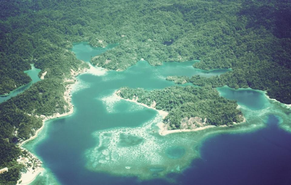 Di Atas Langit Papua