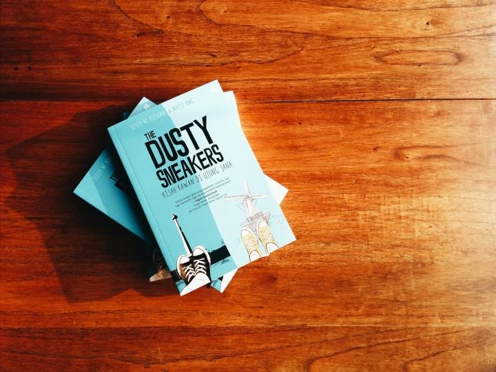 The Dusty Sneakers Book: Kisah Kawan di Ujung Sana