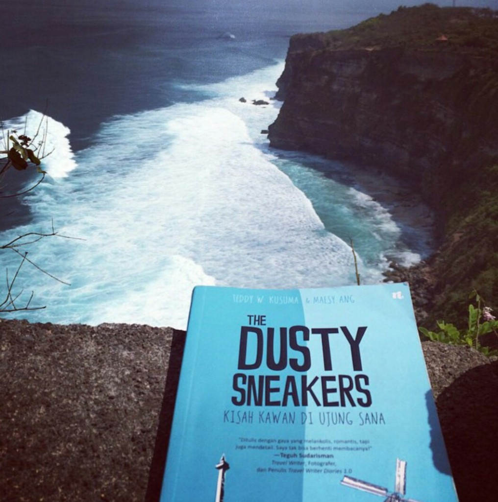 The Dusty Sneakers book_Uluwatu